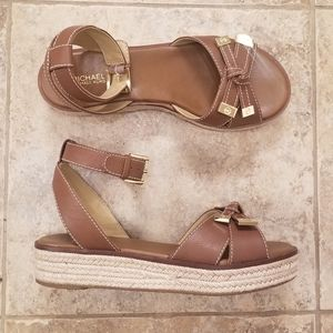 NEW MICHAEL KORS LEATHER TAN NWT STRAP SANDALS